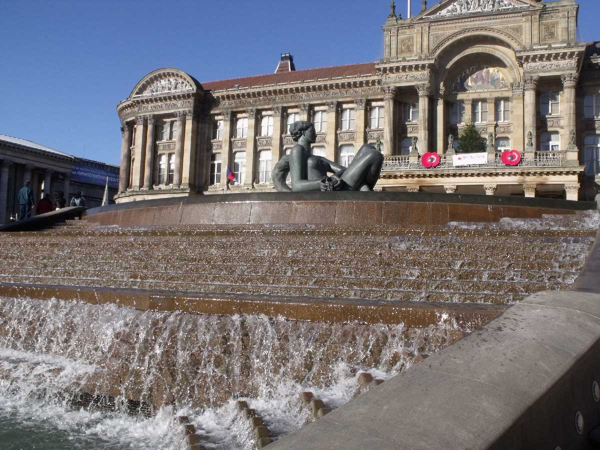 River and Youth: The Floozie in the Jacuzzi in Victoria Square
